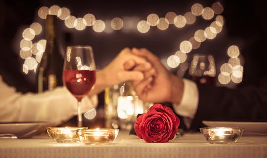 Découvrez comment  le mieux préparer son diner romantique